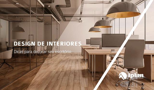 """ao fundo, um escritório vazio e em primeiro plano a frase """"design de interiores: dicas para decorar seu escritório"""""""